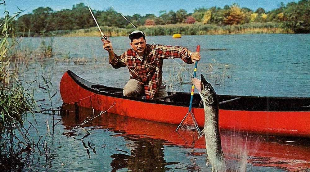 Featured Image For Best Canoe Fishing Accessories & Gear (2021 Update)